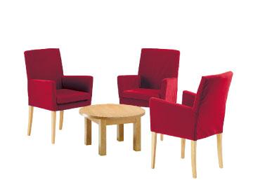 Ensemble de mobiliers en location : 3 x MAYENNE bordeaux / 1 x MOLENE hêtre